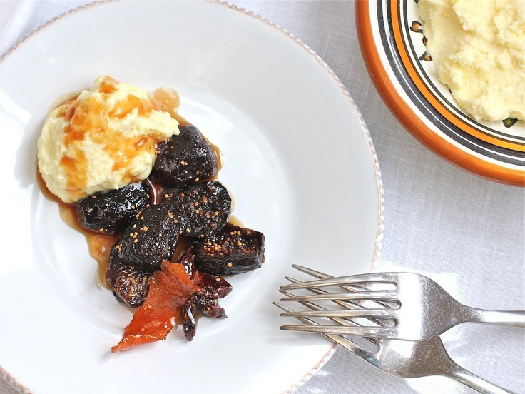 Poached Figs in Honey Sauce with Orange-Mascarpone Whipped Cream