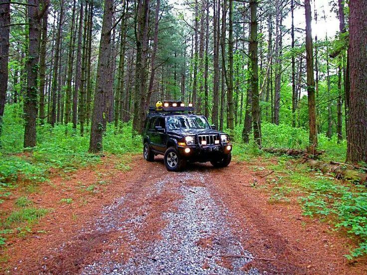 jeep commander off road trucks pinterest. Black Bedroom Furniture Sets. Home Design Ideas