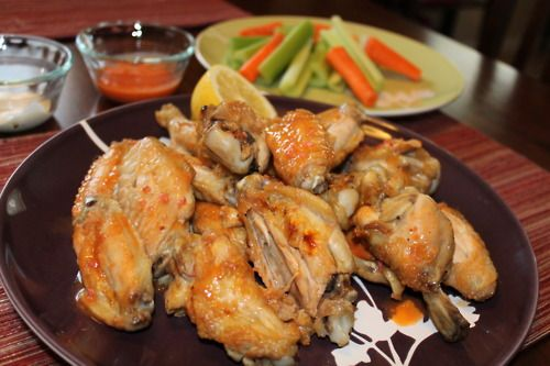Broiled Buffalo Wings...slimmed down but still delish! #healthy # ...