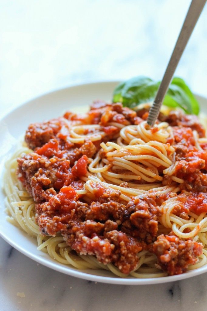 Slow Cooker Spaghetti Sauce - A rich and meaty spaghetti sauce easily ...