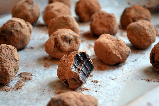 Dark chocolate chili truffles (Courtesy Harldyhousewives)
