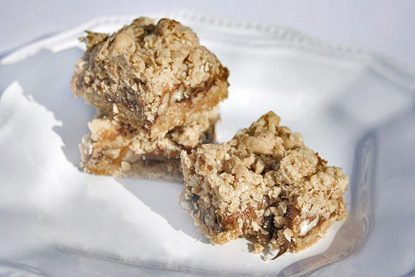 Oatmeal Carmelita Bars- Caramel, Chocolate, Nut Filling with Oatmeal ...
