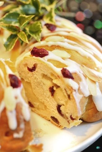 Stollen a traditional german dessert zie deutch pinterest