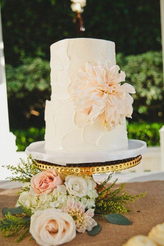 Buttercream wedding cake love pinterest for Simple wedding cake flowers