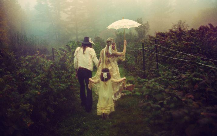 Magical images of a 70s, bohemian wedding shoot http://su.pr/2pi6aX