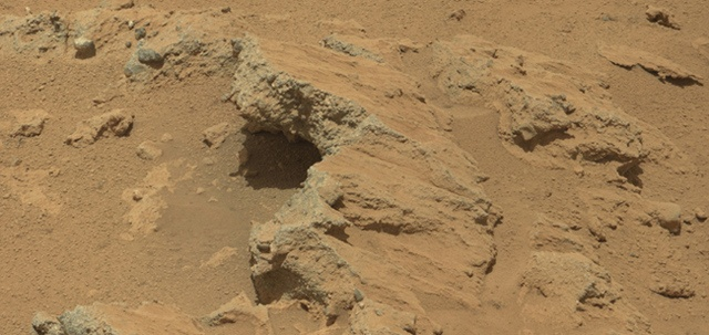 NASA's Curiosity rover finds evidence of ancient stream on Mars