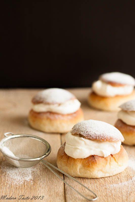 Semlor - Swedish Cardamom Cream Buns http://moderntasteblog.blogspot ...