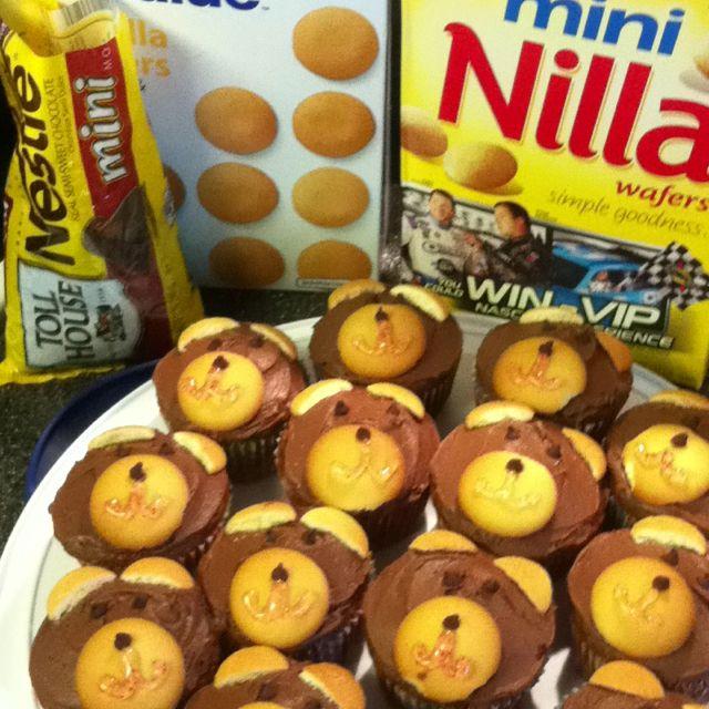 Cubbie Bear cupcakes