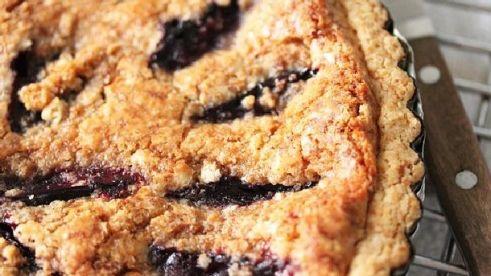 Peach-Plum Pie with Streusel Topping | I love dessert! | Pinterest