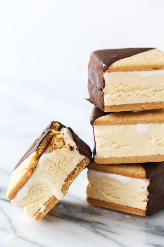 ... Marshmallow Ice Cream Sandwiches (aka S'mores Ice Cream Sandwiches