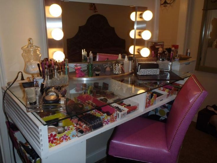 Image Result For Small Makeup Vanity With Lights