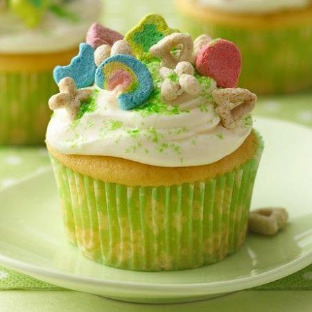 Lucky Charms® Cupcakes Recipe | Food: Cupcakes & Pops | Pinterest