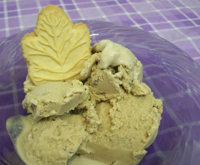 Maple Ice Cream | TASTY SWEETS & SAVORY TREATS | Pinterest