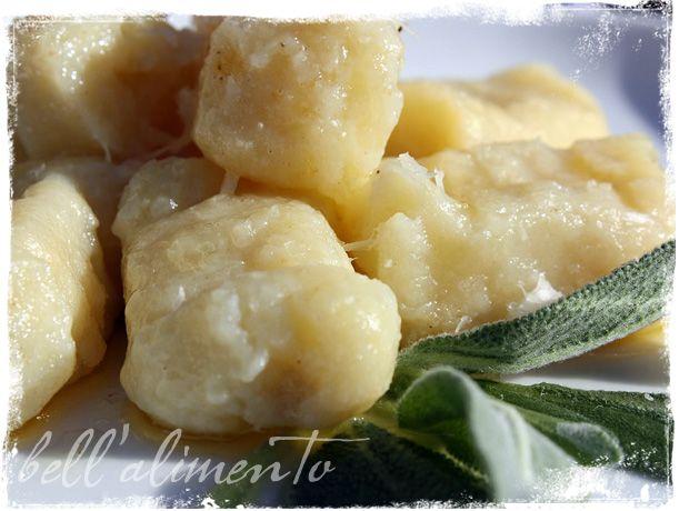 Gnocchi al Burro e Salvia {Gnocchi w/Butter & Sage Sauce}