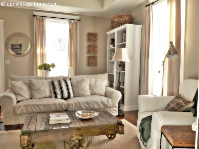 This blog is lovely. I love her home and dream of being able to do something lke this in our own. From the blog Our Vintage Home Love.