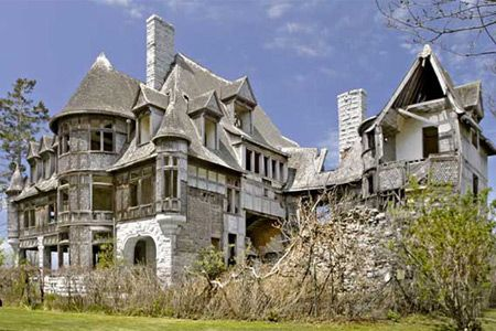 Abandoned Mansions 10 Creepy Abandoned Mansions