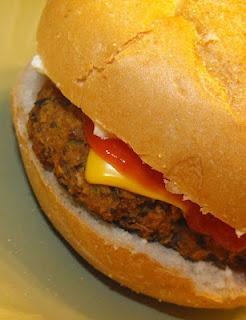 Homemade Black Bean Veggie Burger Recipe. Yes I did it! Hubby loves ...