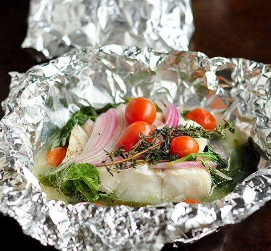 Easy Dinner Recipe: Baked Fish, Spinach, and Tomatoes in Foil Packets ...