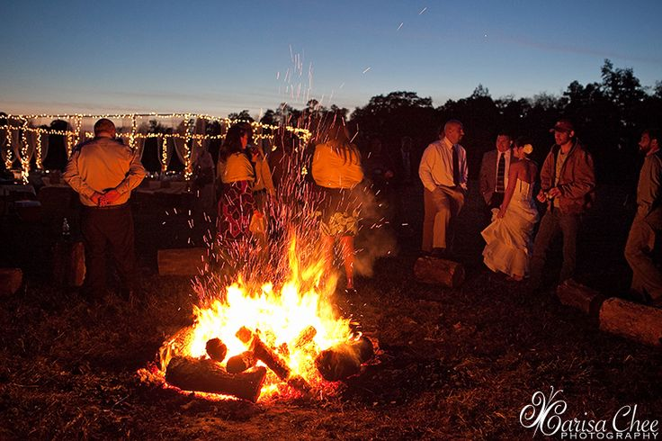 Backyard Bonfire Wedding : bonfire during the reception oh yes  A passion for Weddings  Pint