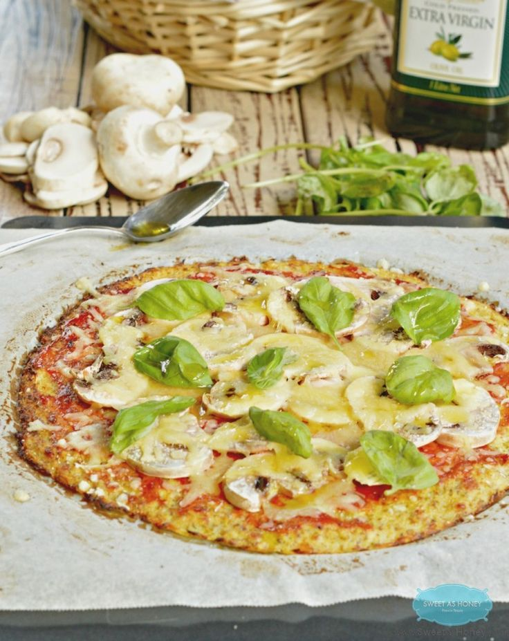 Vegetarian Pizza With Mushrooms And Olives (Low-carb, Gluten-free ...