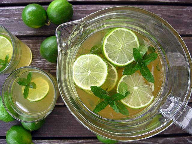 Mint and lime iced green tea | GREEN TEA RECIPES | Pinterest