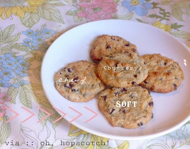 oh, hopscotch: sunday snack :: paleo chocolate chip cookies!