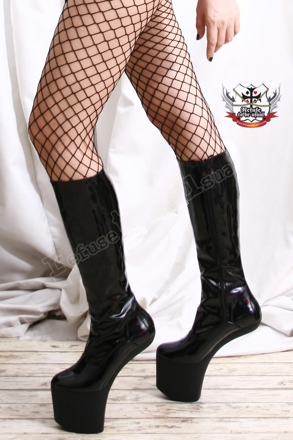 Mature women nylons pantyhose