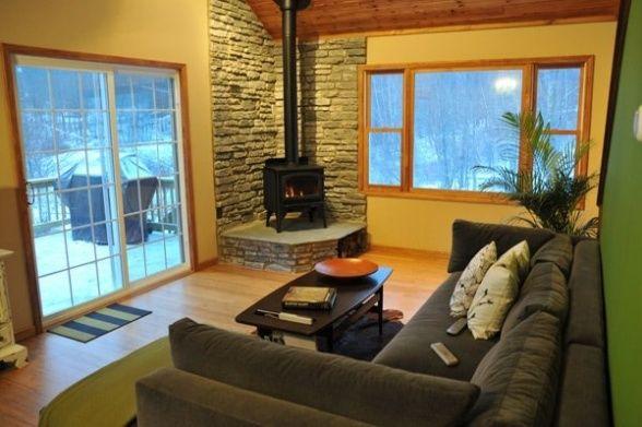 Buck stove decor lake house living room decorating for Lake house living room ideas