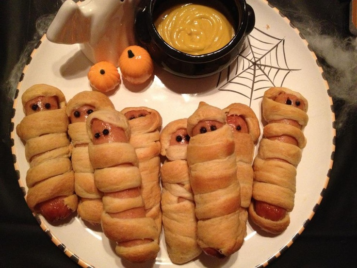 Halloween Mummy Hot Dogs | food | Pinterest