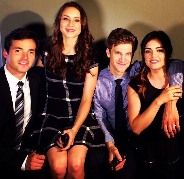 who is janelle from pretty little liars dating Brant daugherty (2010-2013) – from february 2010 to march 2013, actors janel and brant daugherty dated each other payson lewis (2013-2014) – in october 2013, parrish started dating payson lewis after meeting him on the broadway.