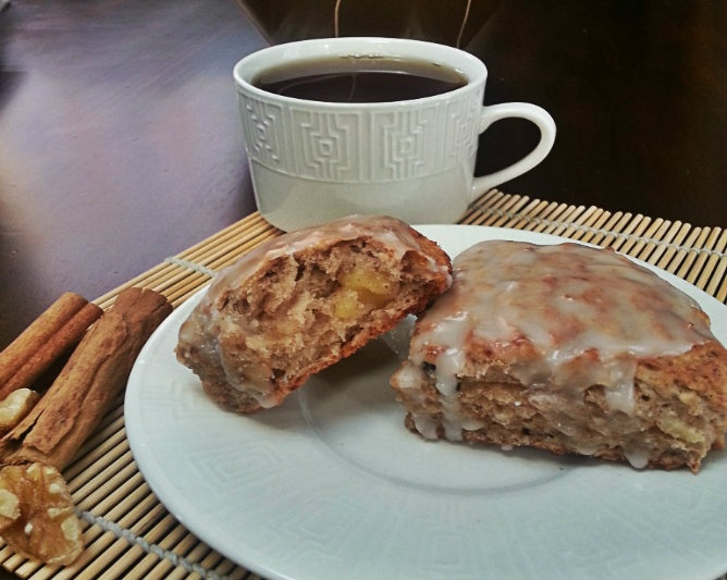 Banana walnut Glazed Scones | Food (liliyasrecipes.com) | Pinterest