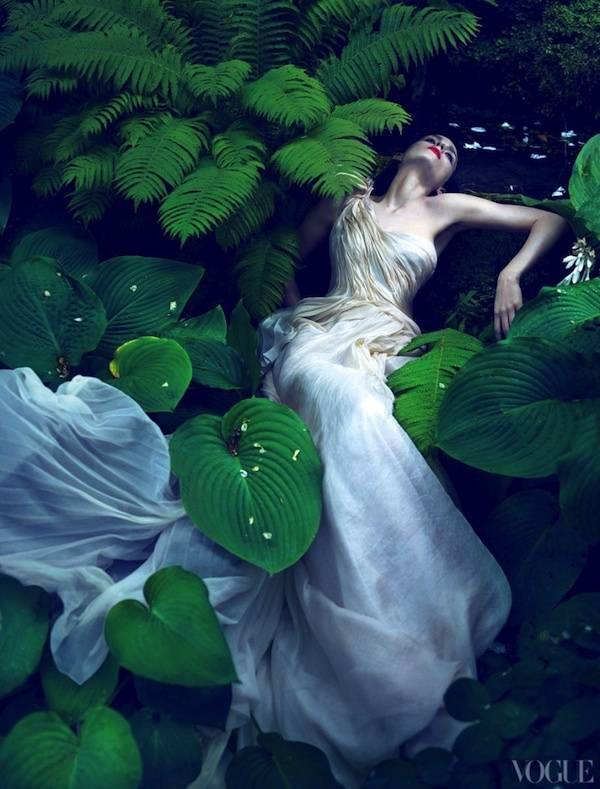 Rooney Mara for Vogue  reminds me of when ophelia drowned in HAMLEt Drowned Ophelia Hamlet