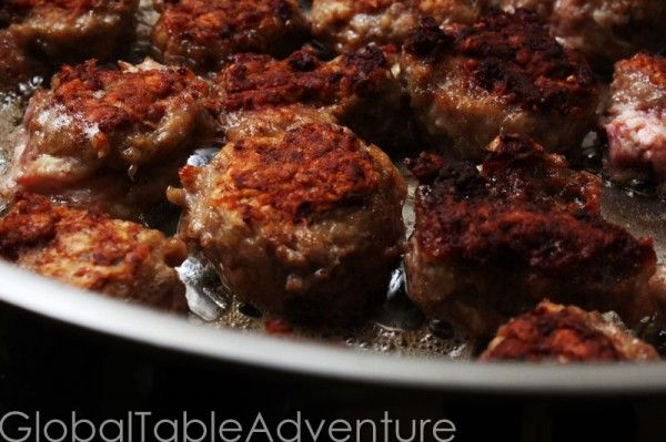 Frikadeller (danish meatballs with rye & heavy cream)