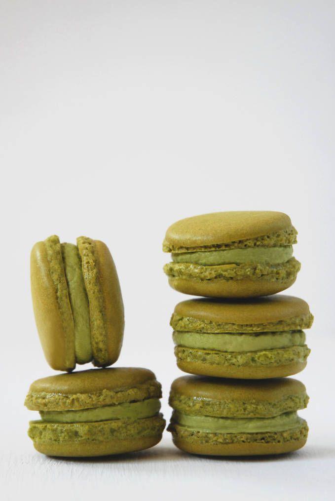 Matcha green tea macarons with matcha buttercream. Don't you just want ...