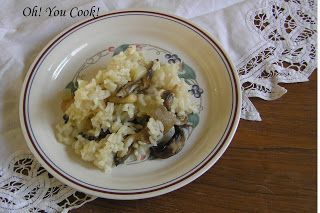 ... to try this...Oh! You Cook!: Slow Cooker Parmesan-Mushroom Risotto