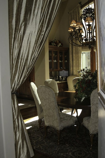 Traditional dining room by grisell navas decor ideas for Traditional dining room pinterest