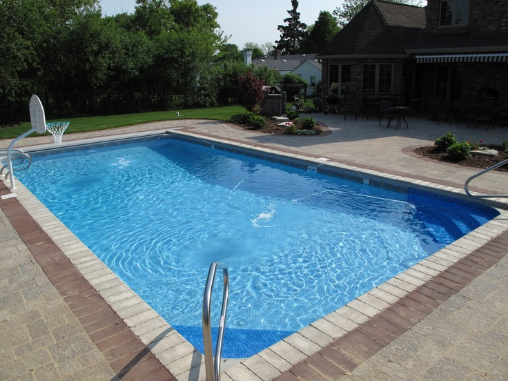 Rectangle pool with automatic cover built in countryside for Built in pools