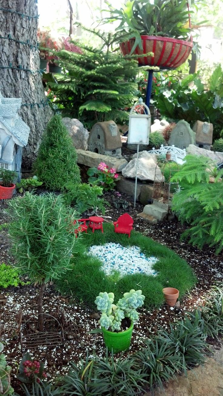 Outdoor fairy garden ideas photograph fairies garden for Fairy garden ideas pictures