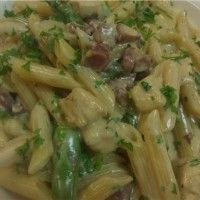Penne with Prosciutto, Chicken and Asparagus in a cream sauce