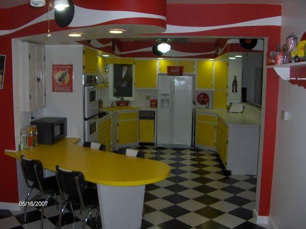 Coca cola kitchen coke addict pinterest for Decoration 50 s
