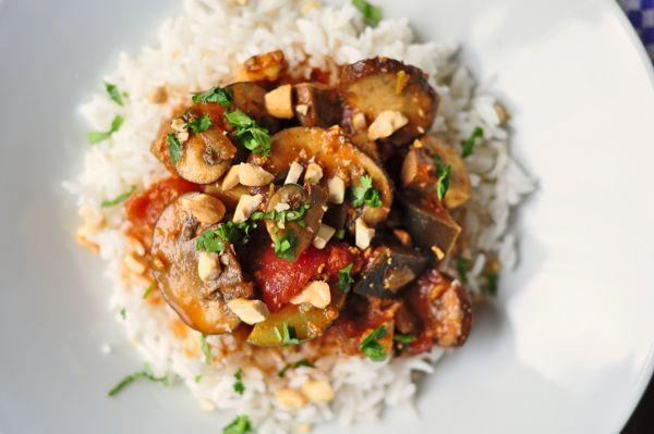 Mushroom-cashew curry