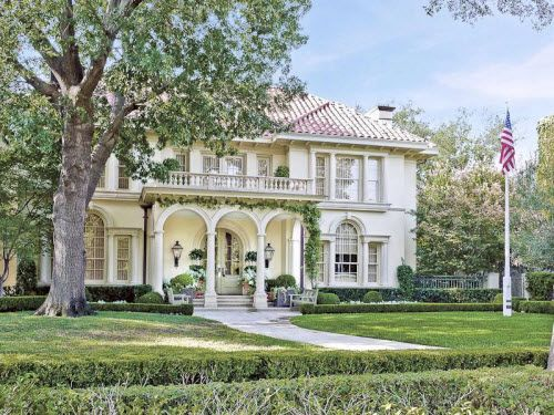 Classic mansion in dallas texas estates luxury homes for Mansions in dallas tx