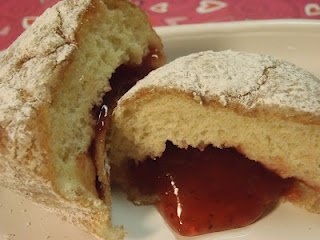 homemade jelly filled donuts. oh yes!! | Cakes and Pies | Pinterest