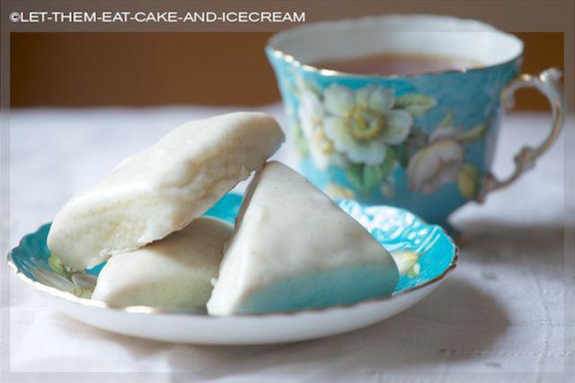 Petite Vanilla Bean Scones | Vintage Tea Room | Pinterest
