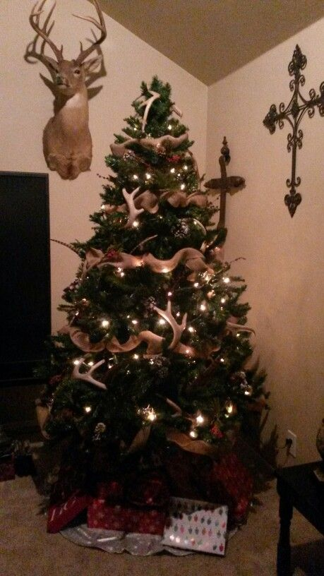 Country style christmas tree when the snowflakes for Country chic christmas