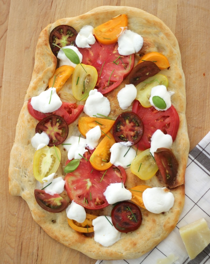 ... Steffens Hobick: Heirloom Tomato & Fresh Mozzarella Flatbread Pizza