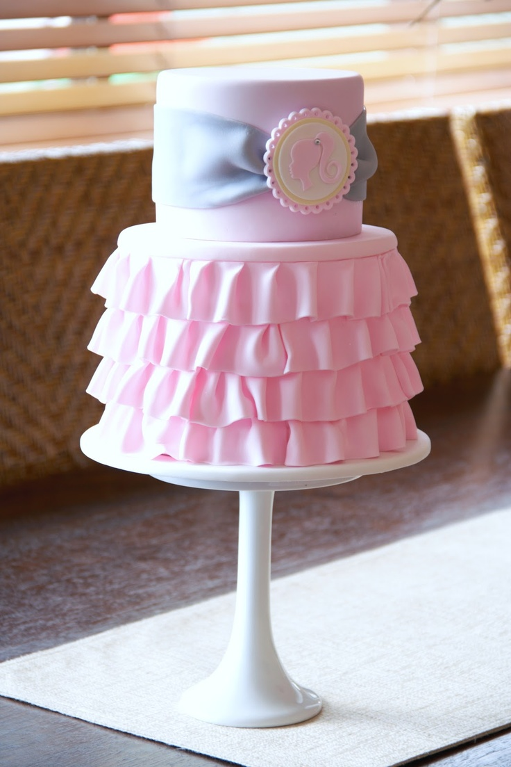 Ruffled And Pinched Fondant How Do I Cakecentral Com
