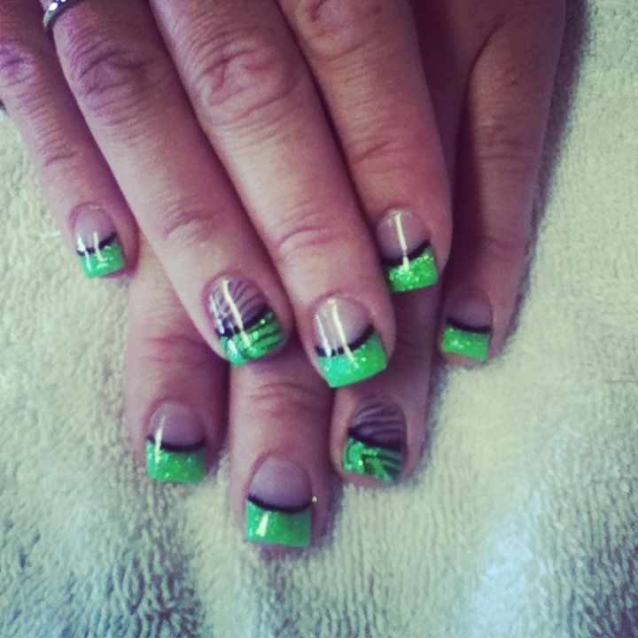 Nail Designs With Green And Black : Green and black nail designs nails - Nail Designs With Green And Black: Black And Neon Green Nail