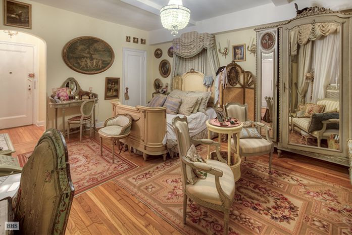 New York Studio Apartment French Design Ornamentation Inspiratio