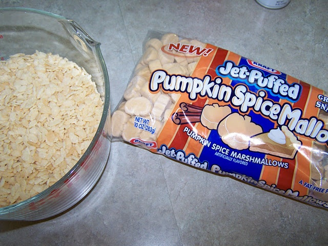 Pumpkin Spice Marshmallow Krispy Treats-hubby wanted more, since they ...
